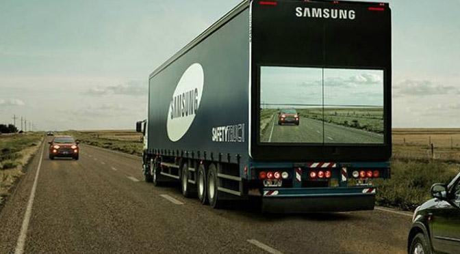 """Samsung testa """"caminhão transparente"""" contra acidentes."""